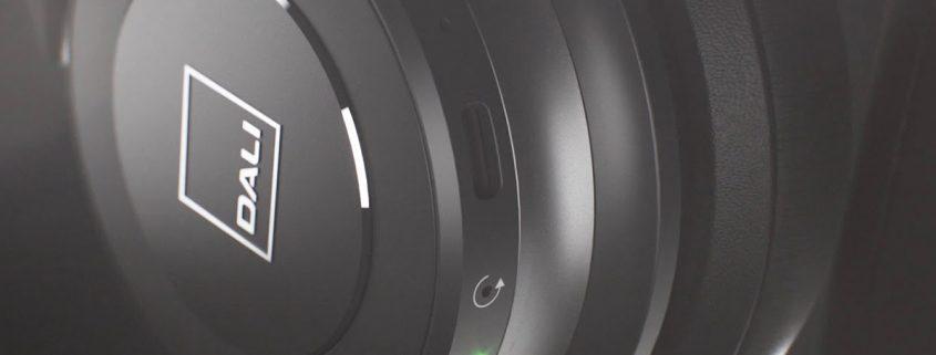 DALI-iO-4-iO-6-cuffie-wireless