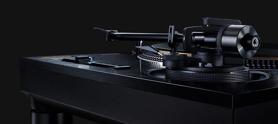 Technics-SL-1210GAE-Limited-Edition-Torino
